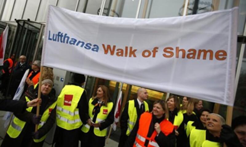Los 33,000 empleados de tierra de Lufthansa se manifestarán contra las nuevas condiciones laborales que prepara la empresa. (Foto: Reuters)