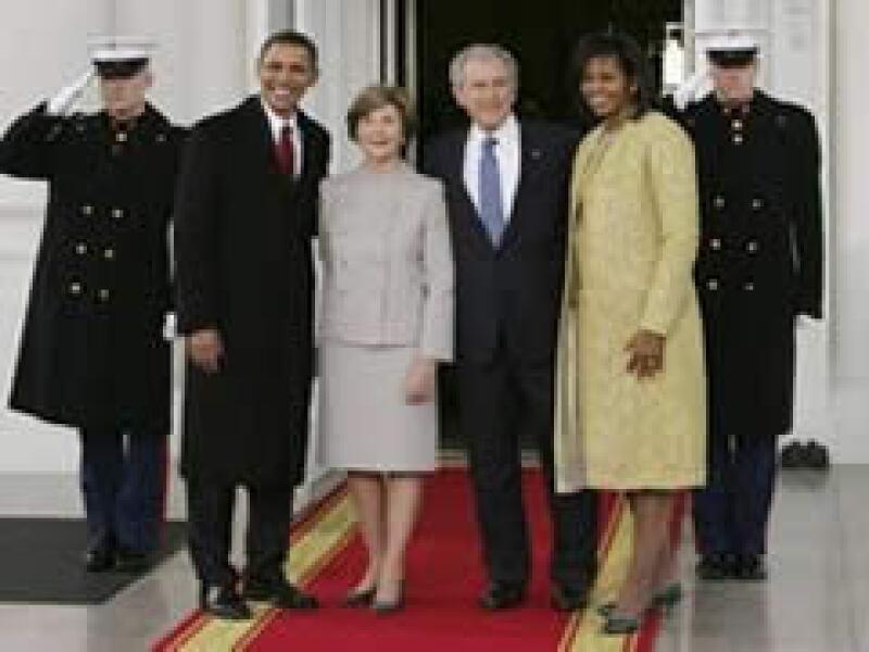 Los Obama se reunieron con los Bush previamente a la ceremonia de toma de posesión. (Foto: Reuters)