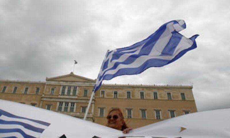 El nuevo Gobierno tendrá la tarea de aprobar el paquete de 179,000 mdd  acordado por los acreedores internacionales el 27 de octubre. (Foto: Reuters)