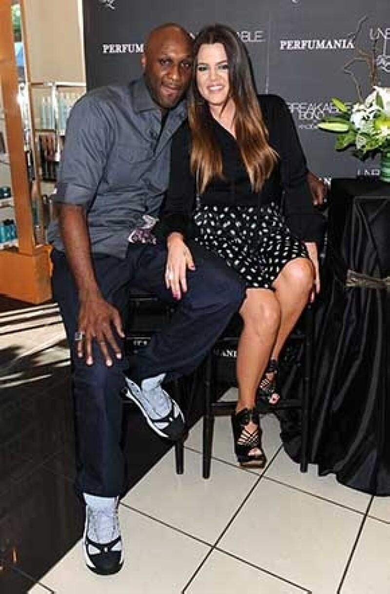 De acuerdo con el portal TMZ, la más pequeña del clan Kardashian y el basquetbolista Lamar Odom, podrían enfrentar una crisis causada por problemas de adicción del jugador.