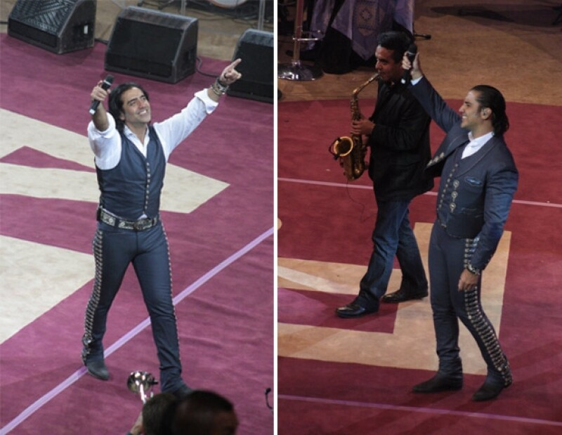 El cantante complació a sus seguidores al interpretar sus éxitos.
