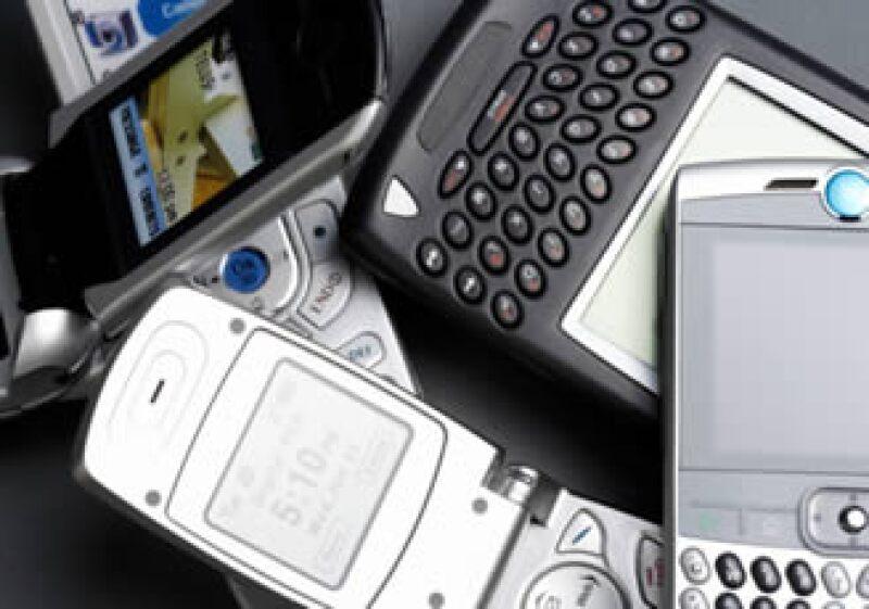En México, 3.6 de cada 10 usuarios de smartphone sólo lo utilizan para llamar y enviar mensajes de texto. (Foto: Jupiter Images)