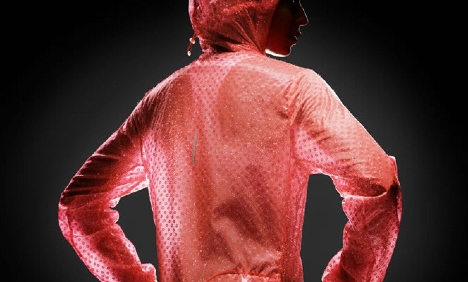 La chamarra 'Cyclone' tiene ligereza y confort y posee tela interna que impide que se adhiera a la piel, con lo que además ayuda a la transpiración.