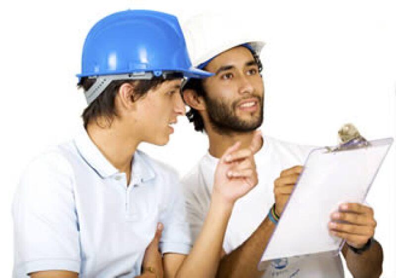 Ante el adverso panorama laboral, los jóvenes deben adquirir los conocimientos prácticos que demanda el mercado. (Foto: Photos to go)