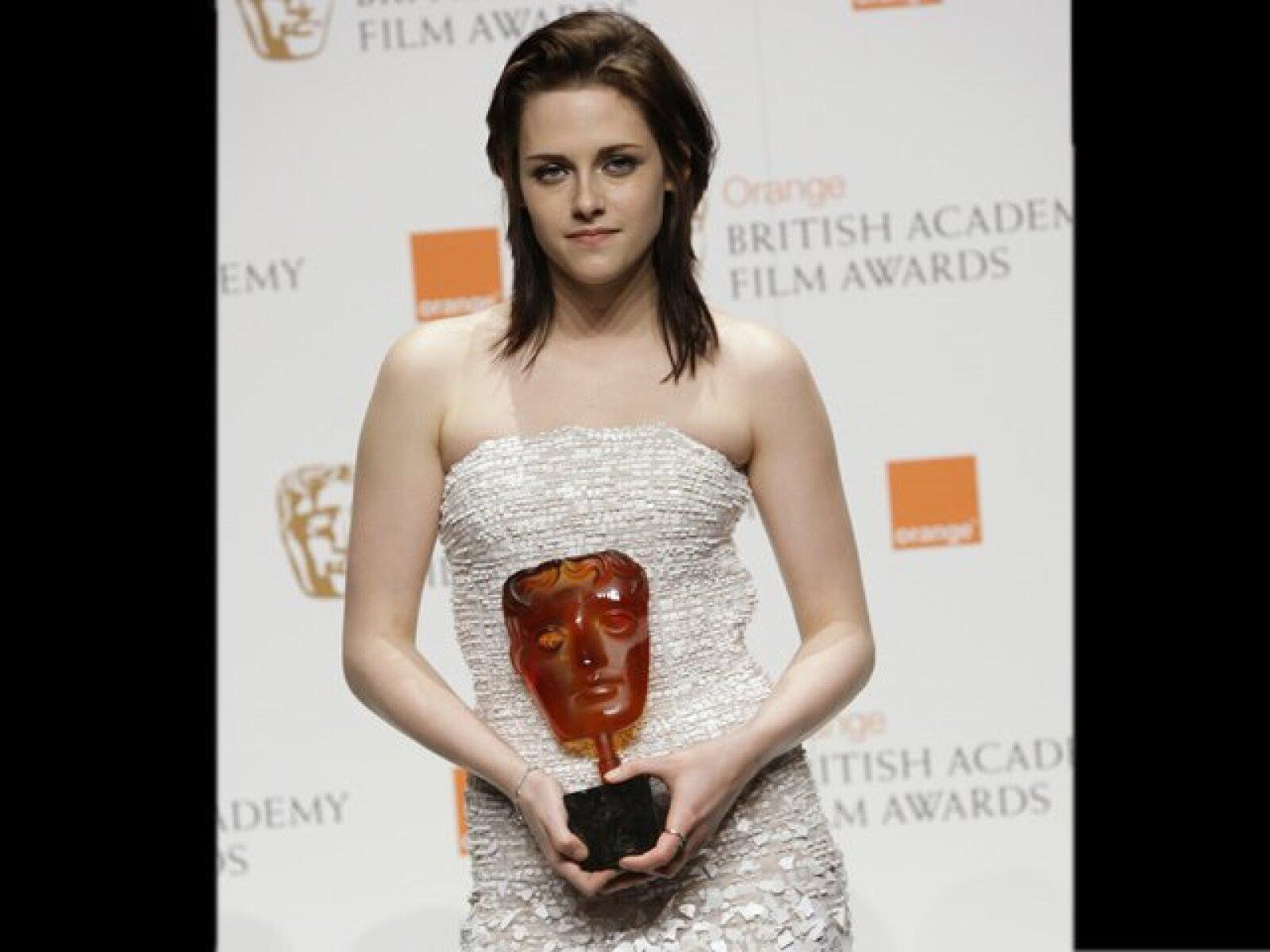 A su llegada a la entrega de premios que entrega la Academia Británica de Cine 2010 (febrero, 2010).