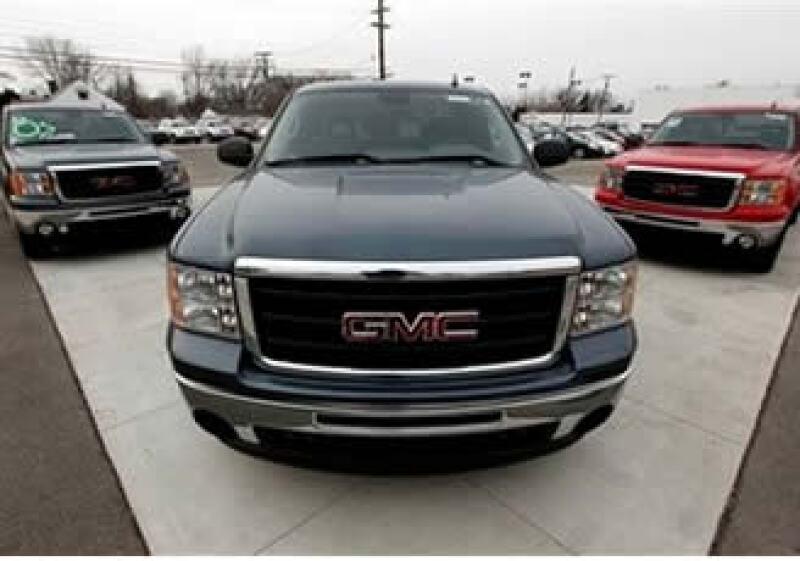 Las ventas de General Motors en EU se vieron apoyadas por sus colocaciones entre operadores de flota. (Foto: AP)