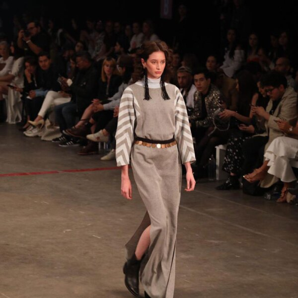 Colectivo-Diseno-Mexicano-Eilean-Brand-Runway-Look-Stripes-and-Grey-Vibes