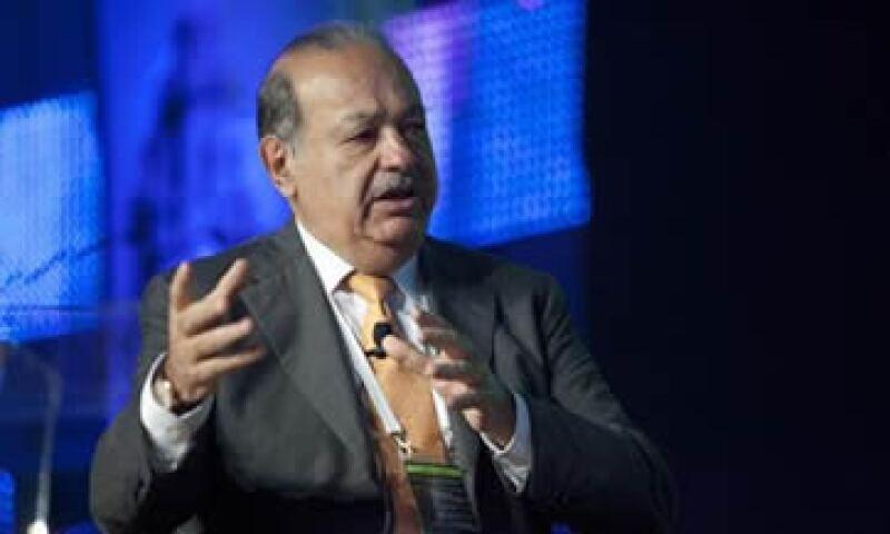 Carlos Slim prevé invertir unos 5,400 millones de dólares este año en el país sudamericano. (Foto: Reuters)