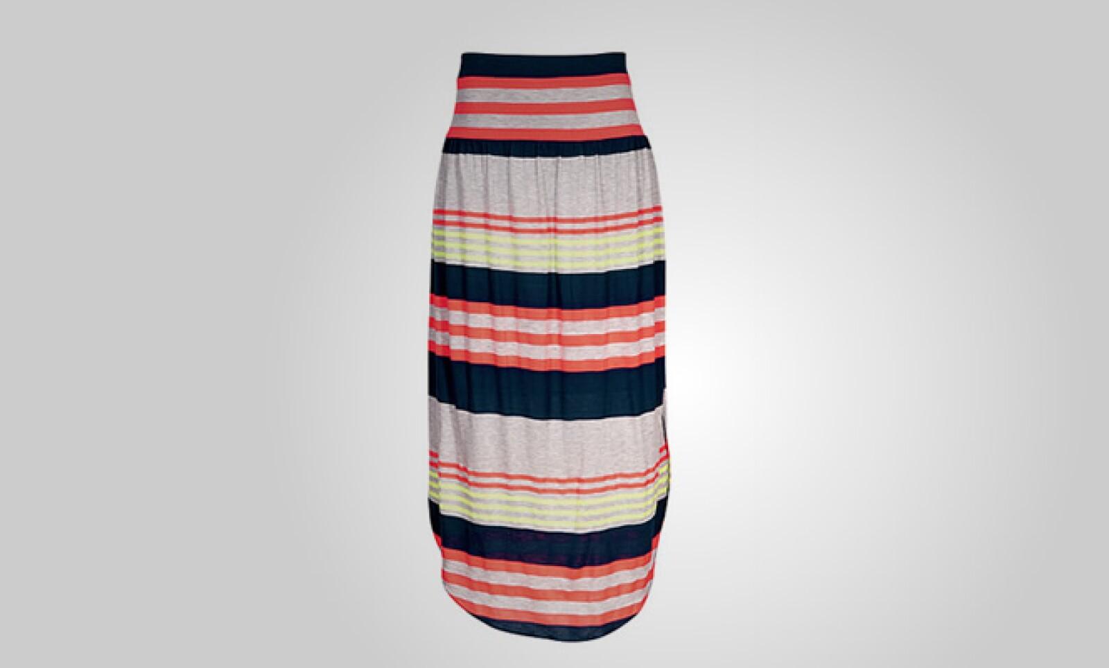 Ceñida al cuerpo, esta falda de algodón puede funcionar para un sábado casual con la familia.