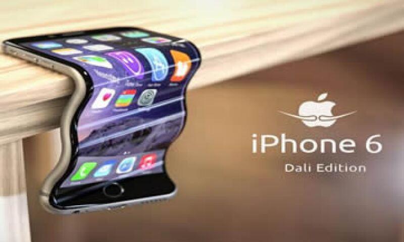 Algunos tuiteros dicen que ahora que el teléfono se dobla podría usarse como una espátula.   (Foto tomada de twitter.com)