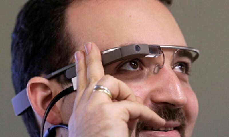Las gafas de Google han generado reacciones sobre la posibilidad de que la gente sea fotografiada sin su consentimiento. (Foto: Reuters)