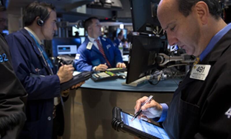 Las tensiones geopolíticas mantiene a los inversores a la expectativa. (Foto: Reuters)