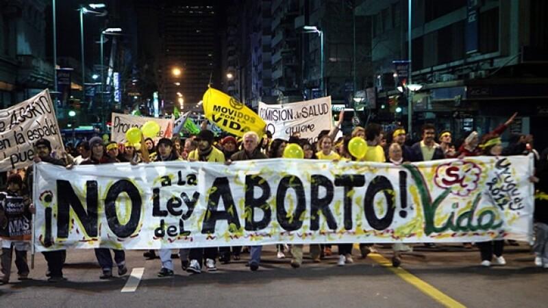 manifestacion contra el aborto en uruguay