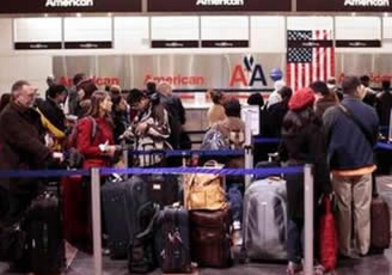 Las aerolíneas de EU serán las encargadas de reforzar la seguridad en los vuelos. (Foto: Reuters)