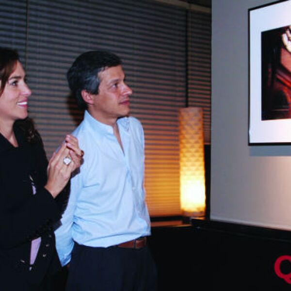 Laura Caraza, Claudio X. González