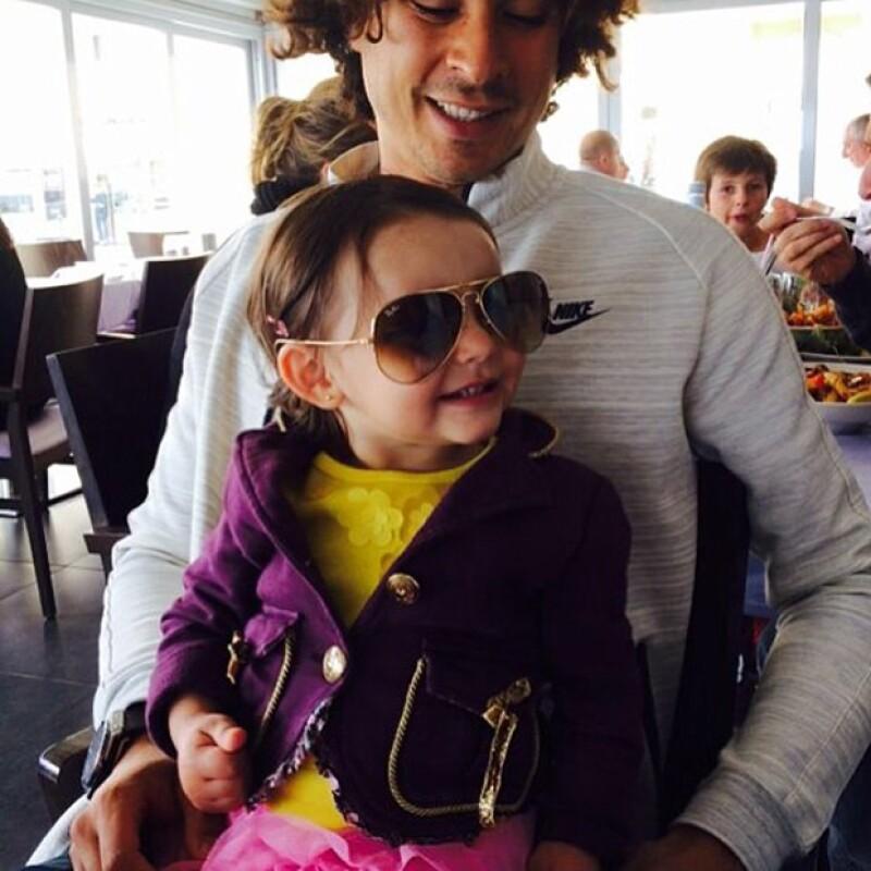Ella es Luciana, la hija mayor de Memo y Karla Ochoa.