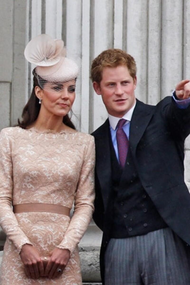 La duquesa de Cambridge mantiene buena relación con el príncipe Enrique; tanto, que se ha ofrecido a ayudarle a buscar novia.