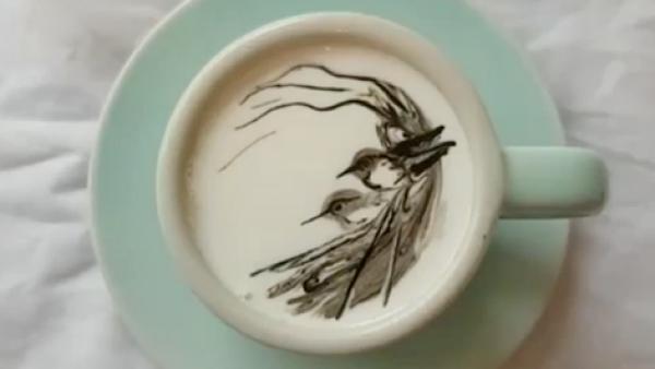 Este barista recrea famosas obras de arte en tazas de café