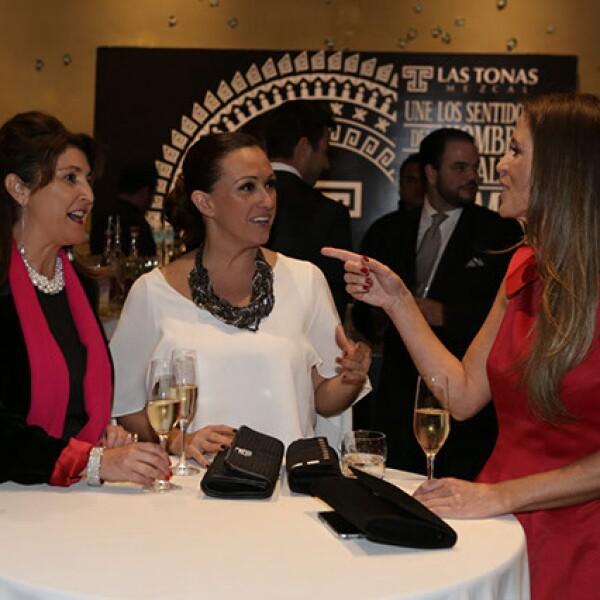 Anna Molgó,Lara Morato,Sara Villa