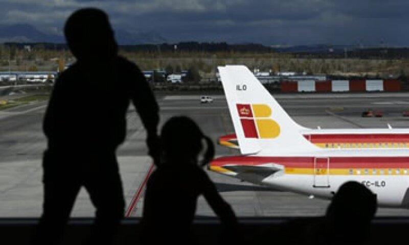 Iberia aseguró que tuvo pérdidas insostenibles de un millón de euros cada día en los primeros nueve meses del año. (Foto: Reuters)