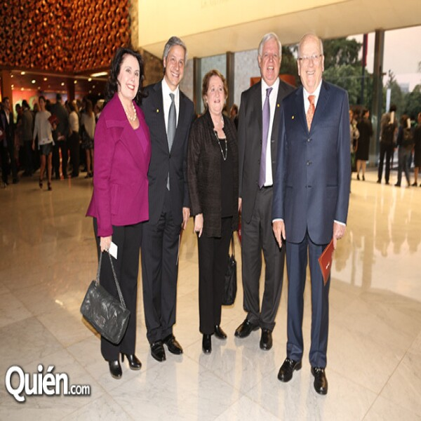Alicia Lebrija,Claudio González,Ana Gómez,Manuel Daza