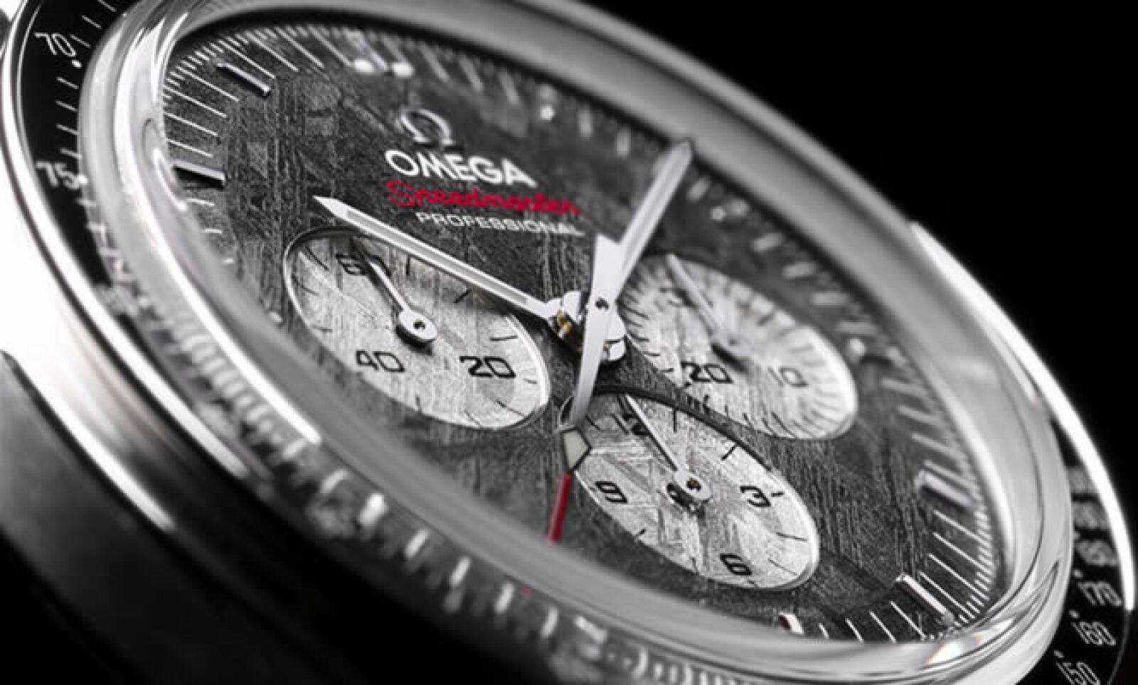 En Basel, Suiza, se lleva a cabo una de las ferias más importantes y exclusivas del mundo de los relojes. Para muestra, tenemos este diseño que cuenta con una una carátula que integra meteorito auténtico extraído de Namibia, África.