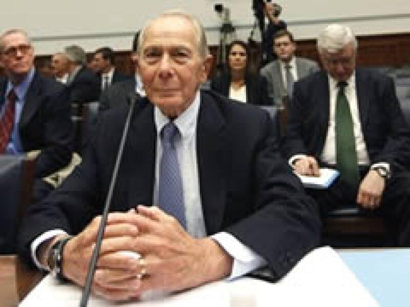 Hank Greenberg, director ejecutivo de AIG hasta marzo del 2005, ante el Comité de Vigilancia de la Cámara de Representantes. (Foto: AP)