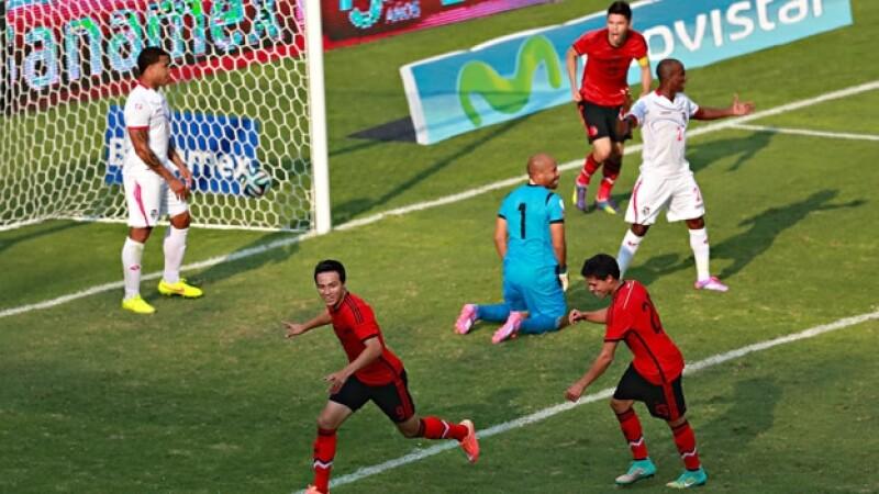 Erick 'el Cubo' Torres celebra el gol que le da el triunfo a México ante Panamá este domingo
