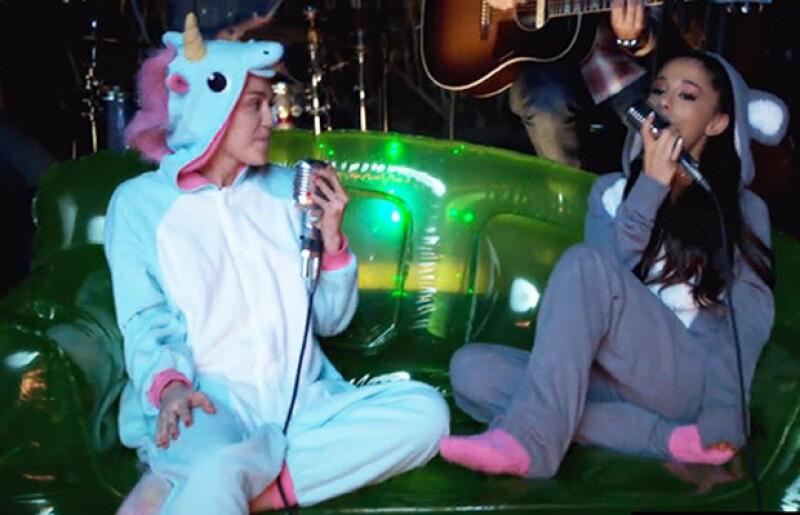 La polémica Miley invitó a la cantante a un dueto en el patio de su casa, con la finalidad de promover su nueva fundación.