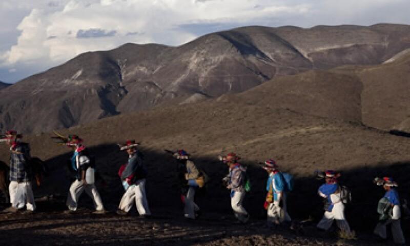 Indígenas de Wirikuta manifestaban preocupación por 72 concesiones mineras en el área. (Foto: AP)