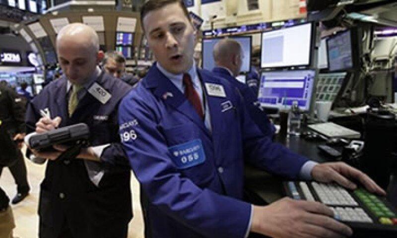 Los inversores temían que las empresas Intel y Honeywell, reportaran pérdidas.  (Foto: Reuters)