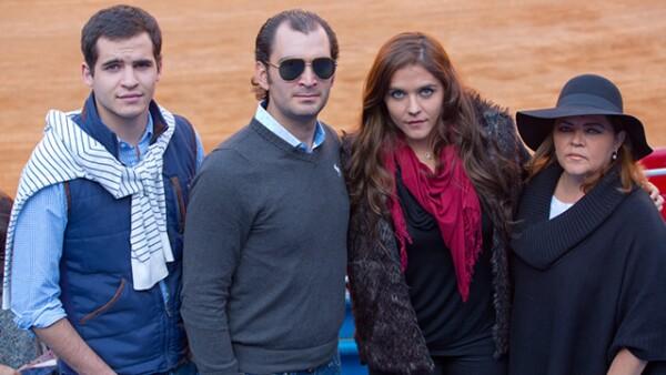 José Miguel Ugalde,Joaquín Santana,Adriana Ugalde,Adriana de Alba