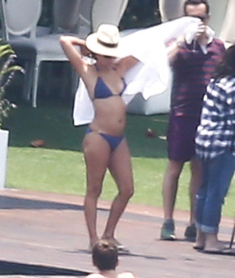 Eva Longoria presumió su cuerpo de envidia con un bikini.