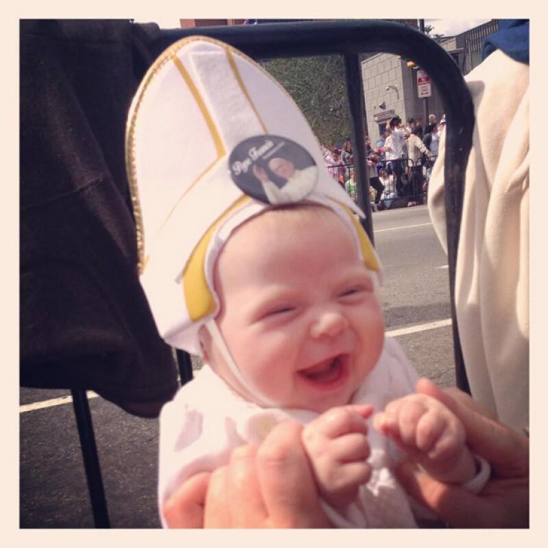 Quinn es el nombre de esta bebé que robó la atención del Papa durante su gira por EU.