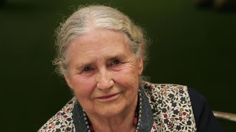 La escritora britanica Doris Lessing muere