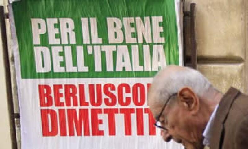 Se espera que Silvio Berlusconi dimita tras la aprobación de estas medidas por parte de los diputados. (Foto: Reuters)