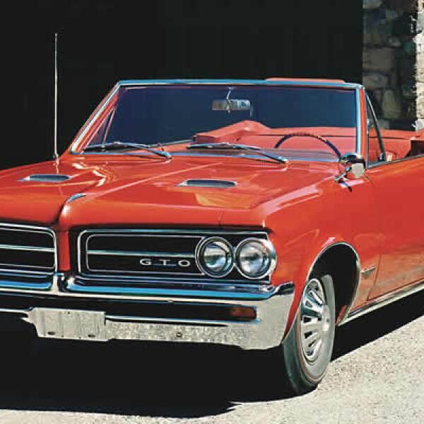 Este modelo fue creado por el jefe de ingenieros de GM, Russel Gee en 1963 con el objetivo de entrar de lleno en los circuitos de carreras de velocidad.