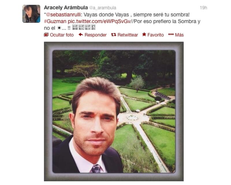 La novia de Sebastián Rulli dejó en claro que está muy contenta con su actual relación al responder a un tuit que publicó su pareja.