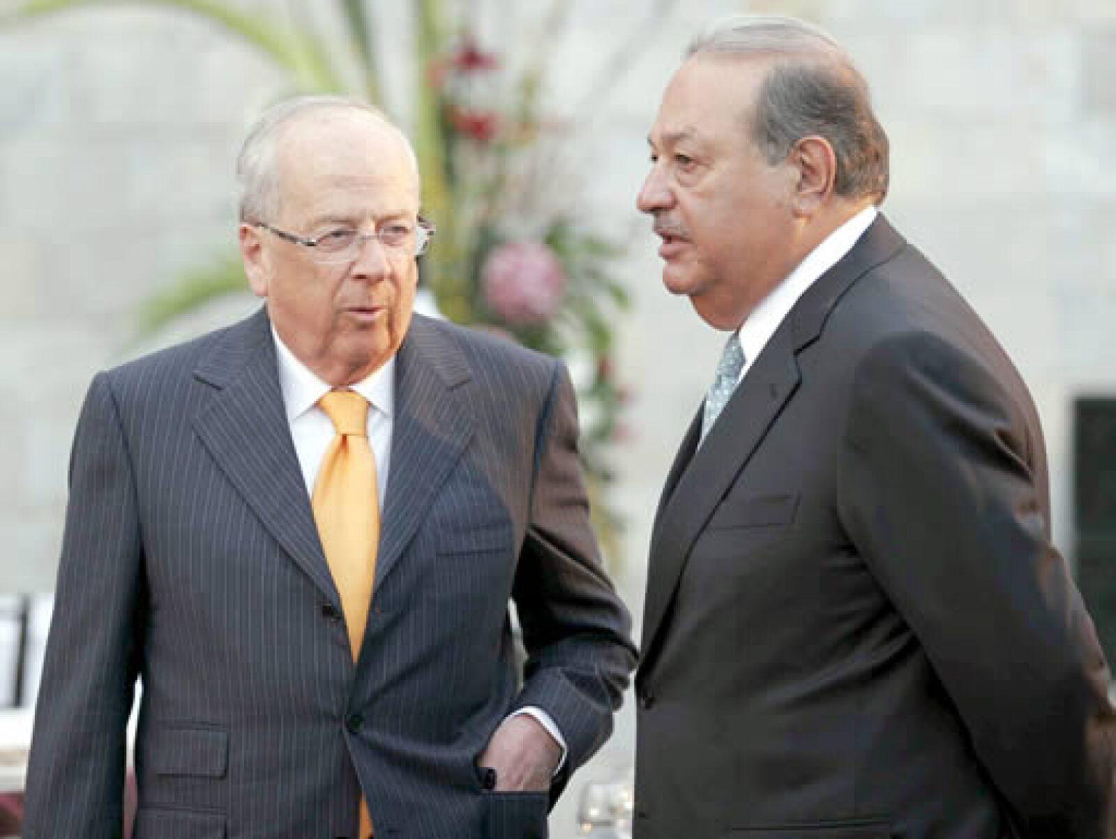 Claudio X. González, presidente del Consejo Mexicano de Hombres de Negocios, y el magnate Carlos Slim acudieron a la cena de honor del presidente Obama en el Museo de Antropología.