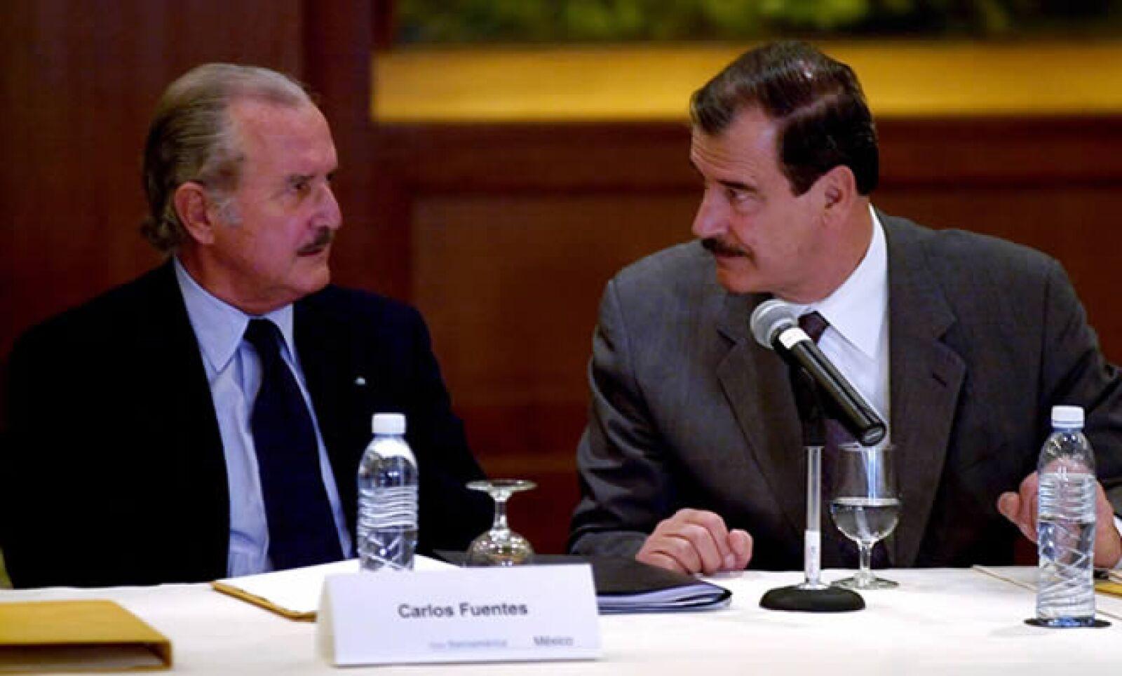 El 29 de noviembre del 2000, el entonces recién elegido presidente de México, Vicente Fox, se reunió con el autor de 'La región más transparente'.