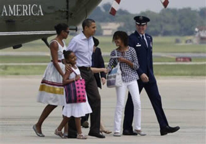 La familia Obama disfrutará de sus primeras vacaciones desde su llegada a la Casa Blanca. (Foto: AP)