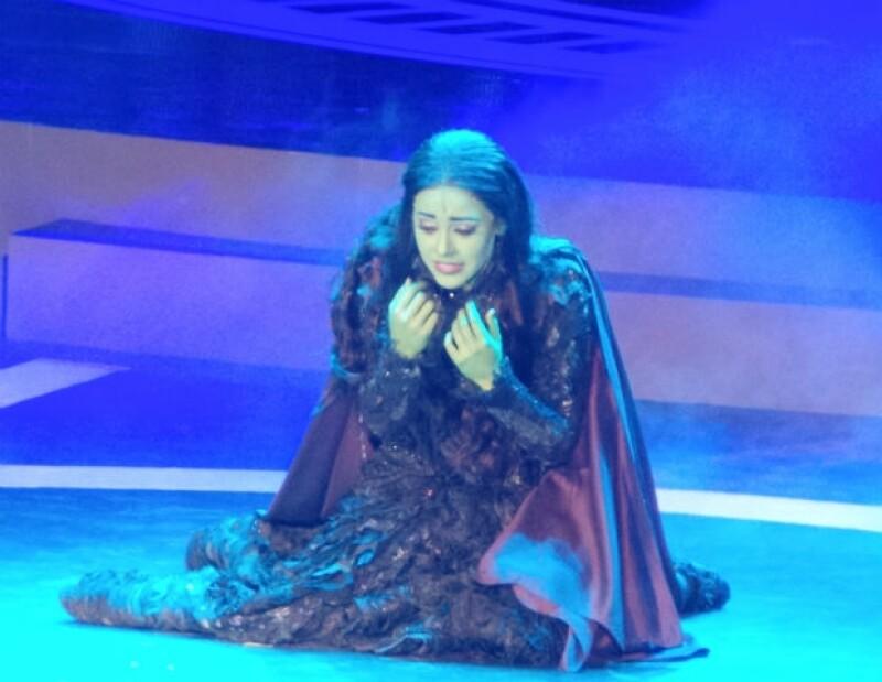 Danna Paola demostró su capacidad vocal en el escenario, logrando ovación de pie por parte del público.