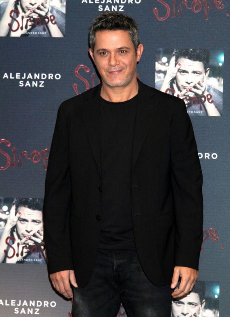 Sanz conserva su atractivo maduro a los 46 años.