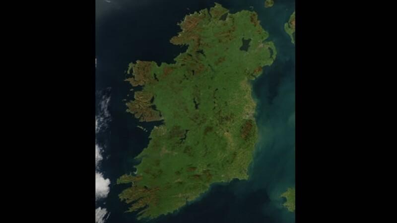 Una Irlanda despejada y mostrando su verde resplendor, cortesía de la agencia espacial de Estados Unidos