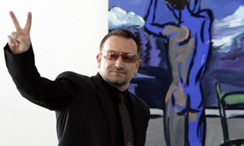 Si Bono vendiera sus acciones de Facebook una vez que la empresa salga a bolsa, se podría llevar, al menos, 975 millones de dólares. (Foto: AP)