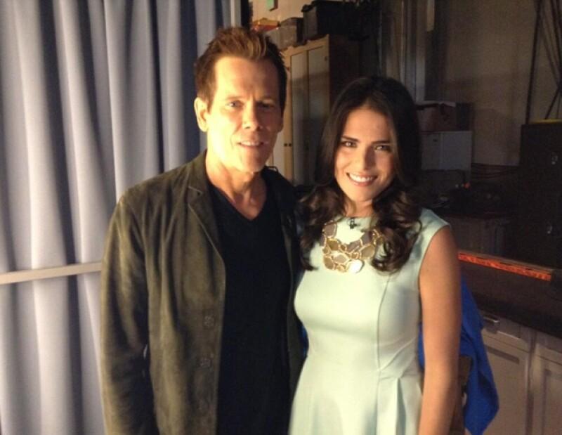 Karla Souza tuvo la oportunidad de conocer a Kevin Bacon en el backstage del programa.