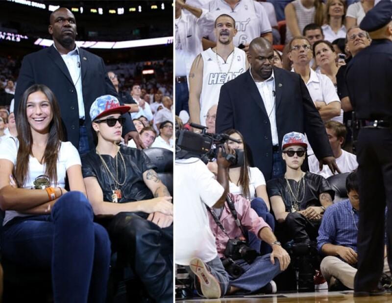 """Justin pidió seguridad para """"cuidarlo"""", además, nunca se quitó sus lentes oscuros."""