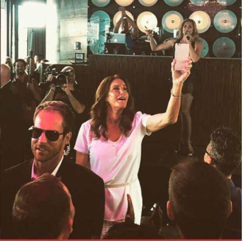 La ex pareja de Kris Jenner celebró, junto a la comunidad LGBT, la histórica decisión de la Corte Suprema estadounidense de legalizar el matrimonio entre personas del mismo sexo.