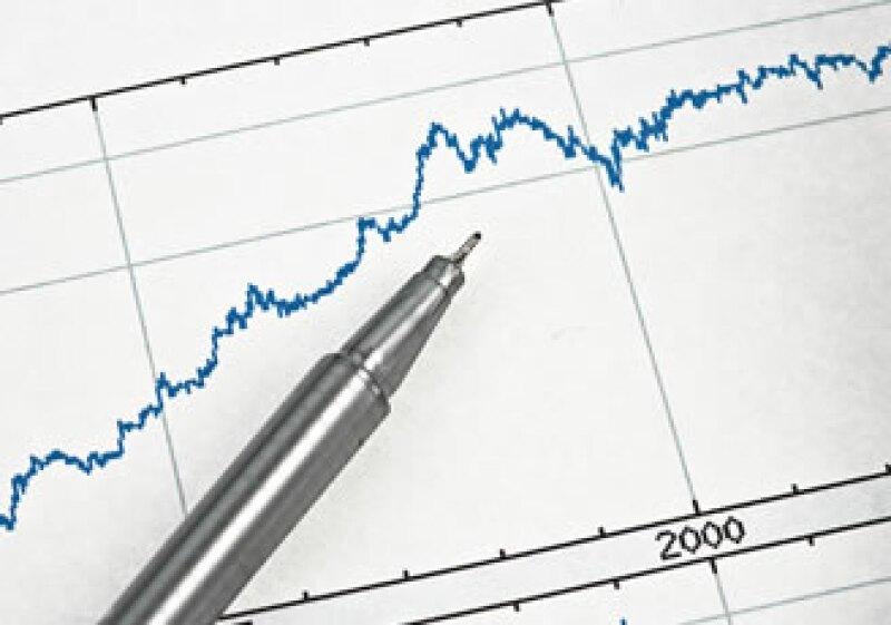 Expertos opinan que las grandes sumas prestadas a los gobiernos elevarán las tasas de interés en los siguientes años. (Foto: Jupiter Images)