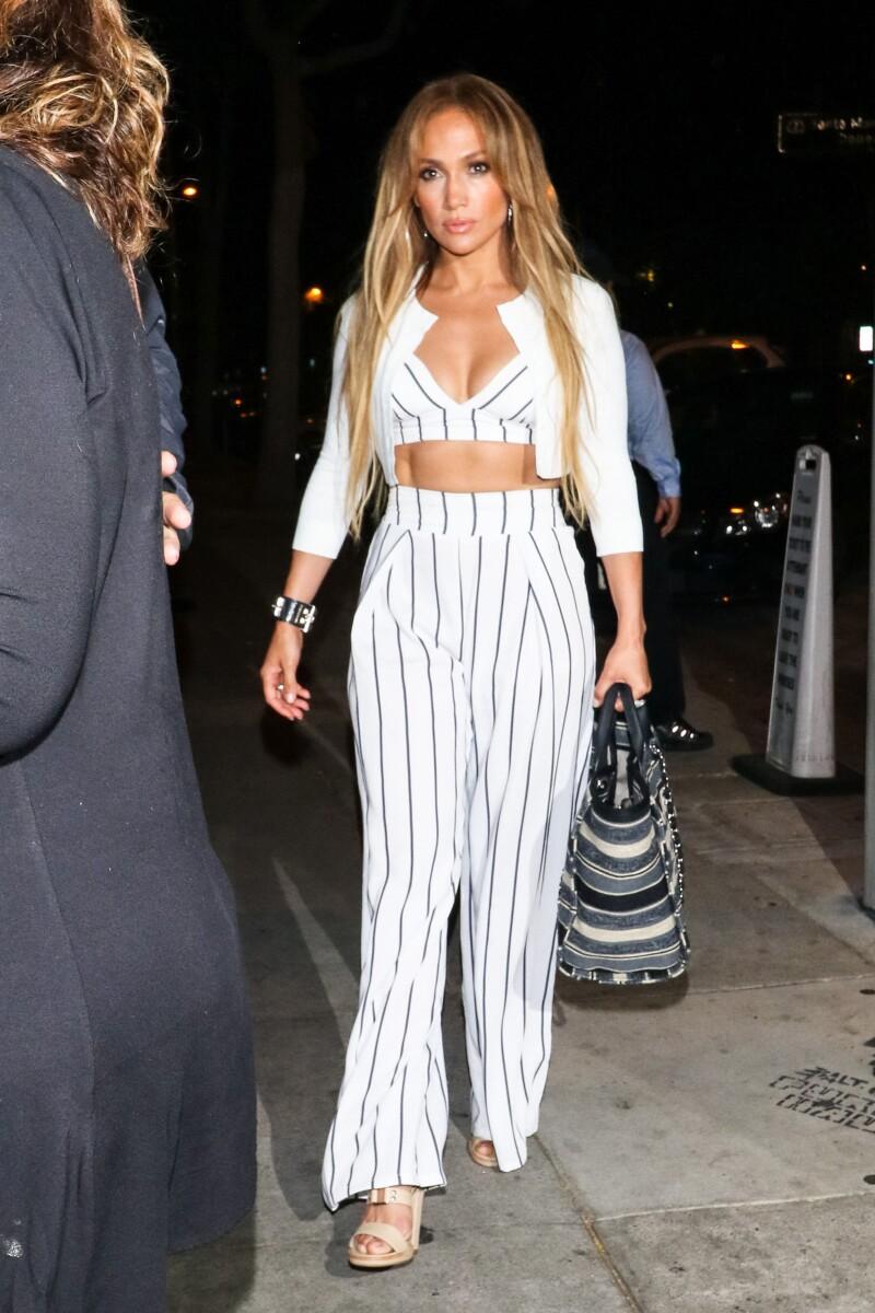J.Lo usa un look low cost para su cita con Alex Rodriguez